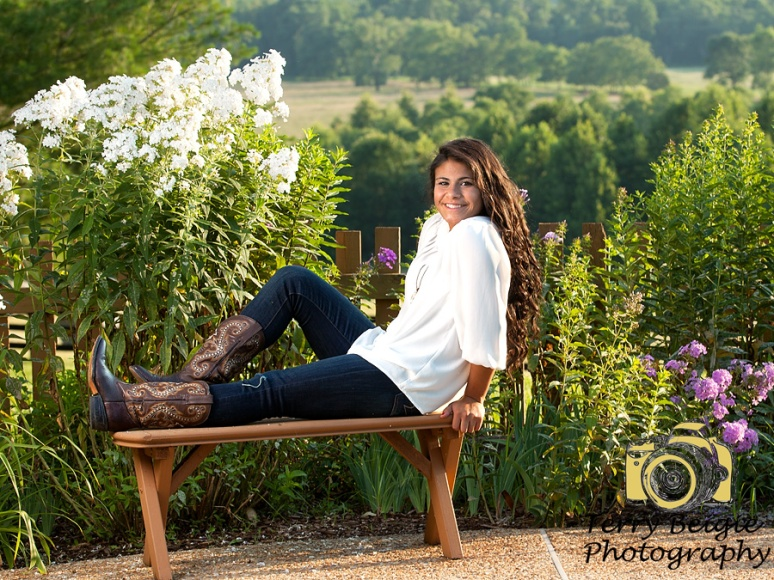 Albemarle High School Senior Photography Rural setting