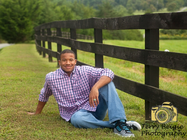 Charlottesville Virginia high school senior photography